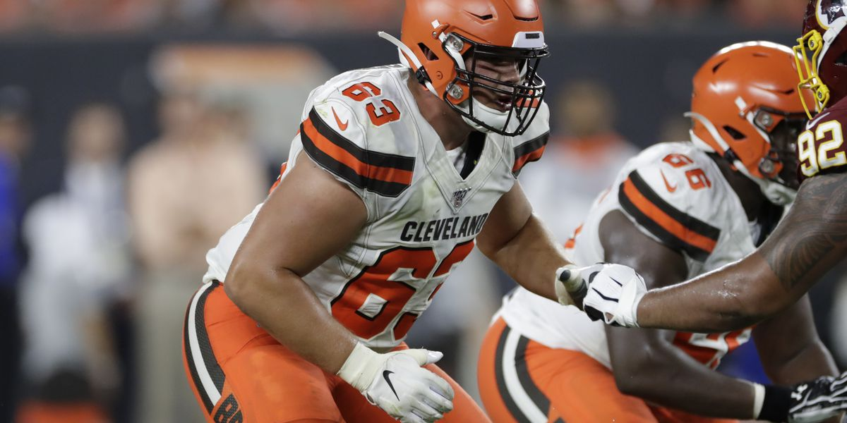 With O-line in disarray, Cleveland Browns trade C Austin Corbett