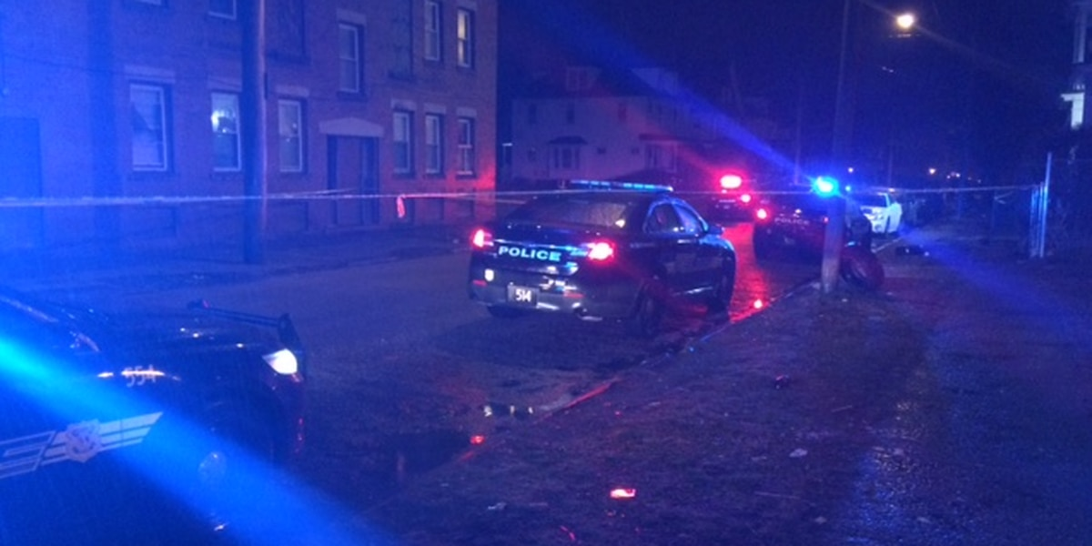 18-year-old Cleveland teen shot and killed in stolen car