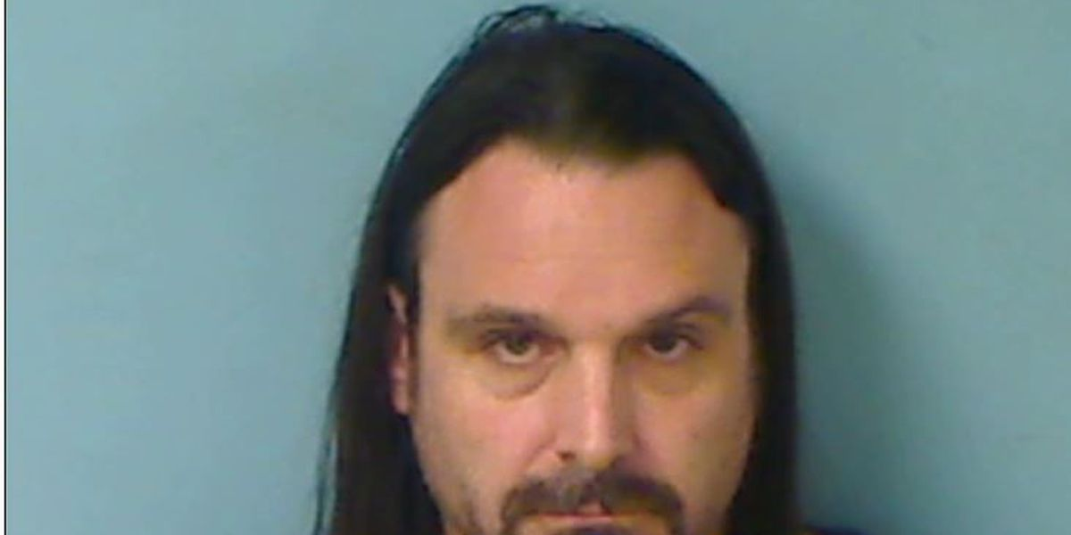 Registered sex offender accused of secretly photographing butts