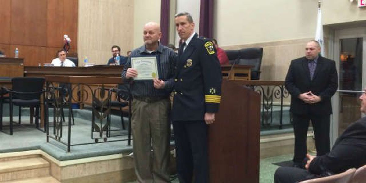 Deaf men take the law into own hands, honored for tackling murder suspect
